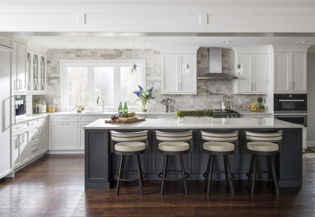 This transitional kitchen has both traditional features and modern touches.