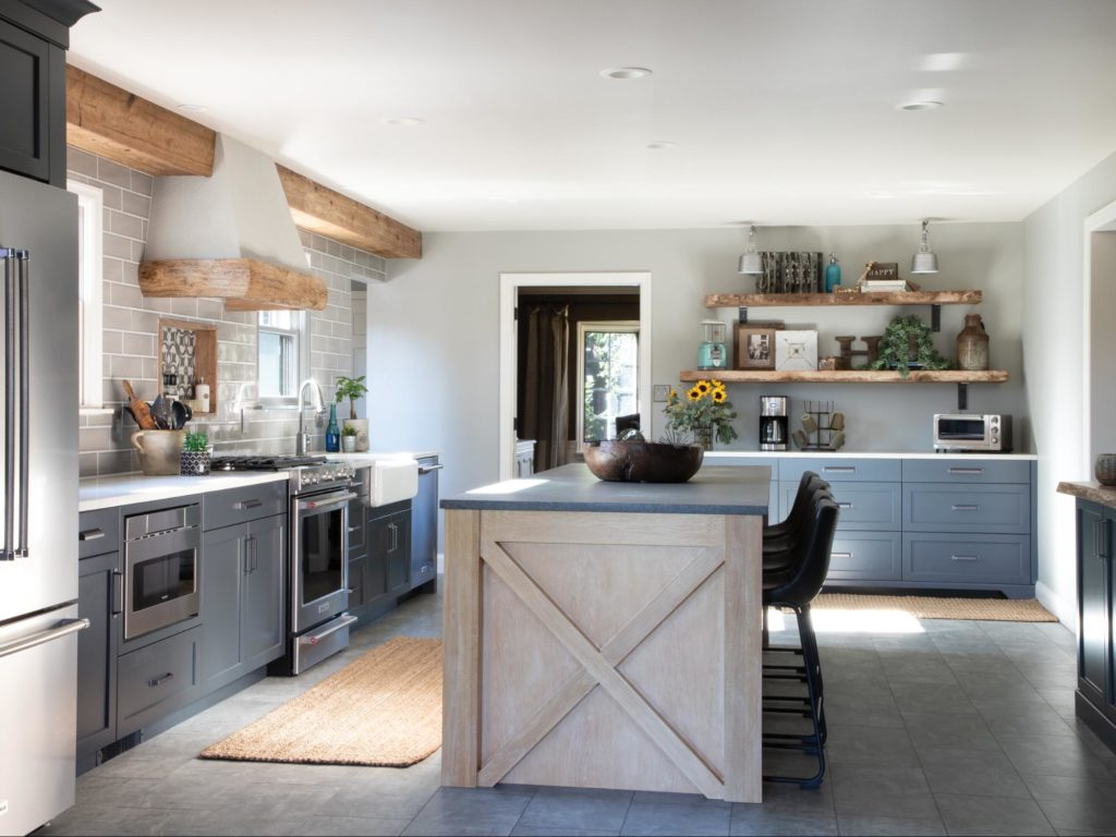 This farmhouse kitchen has homey, charming touches and plenty of natural components.